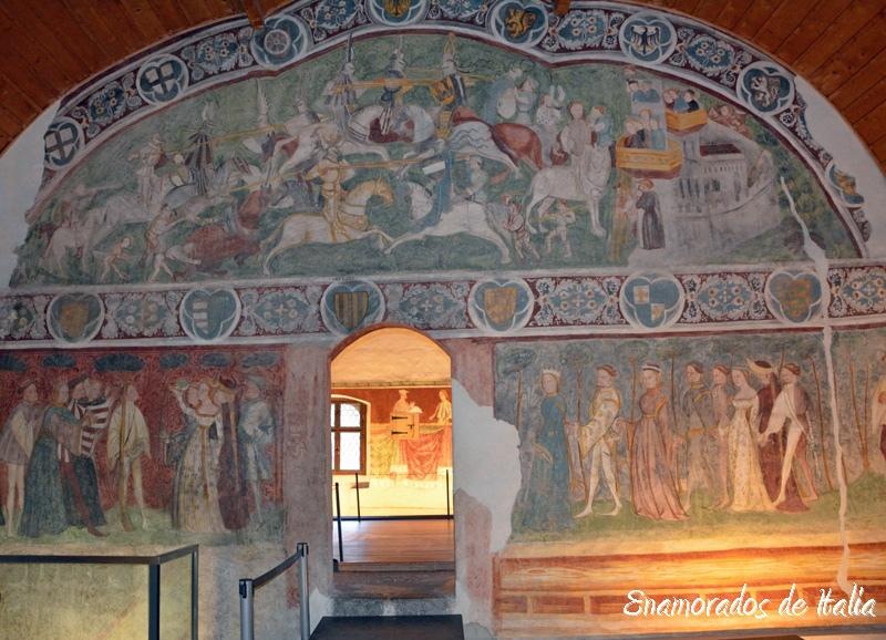 interior de Castel Roncolo, cerca de Bolzano