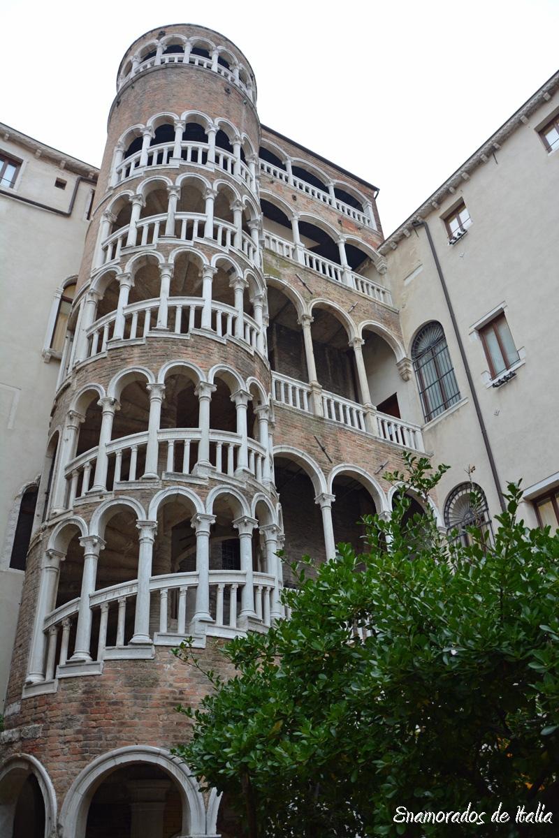 Palacio Contarini del Bovolo, Venecia.