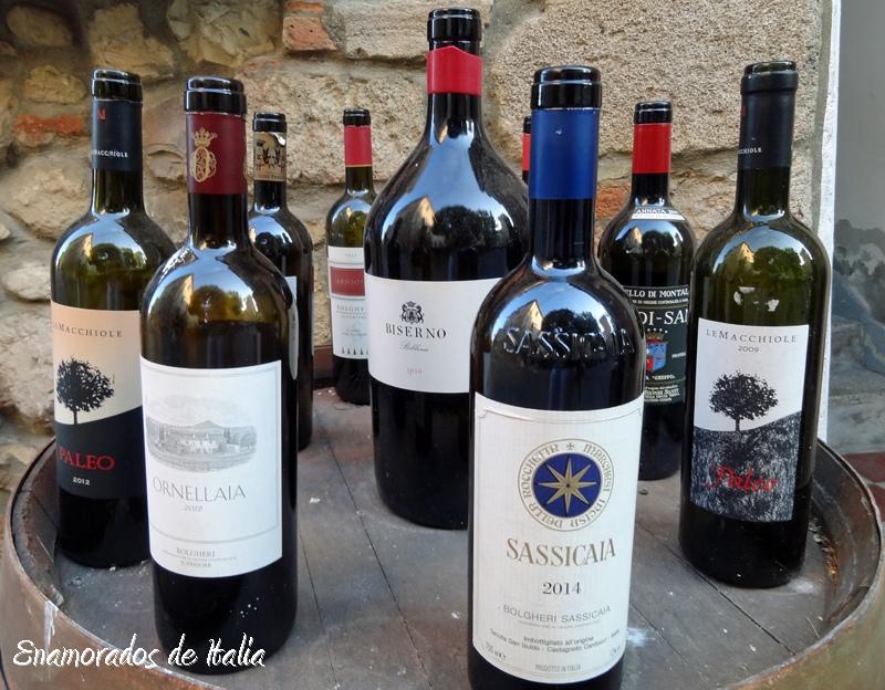 botellas de vino en Bolgheri.