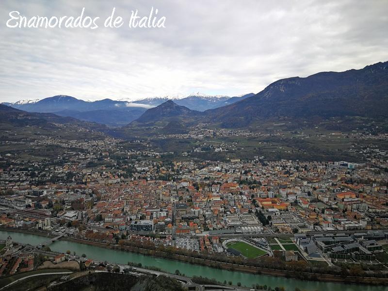 panorama de Trento desde el mirador en Sardagna.