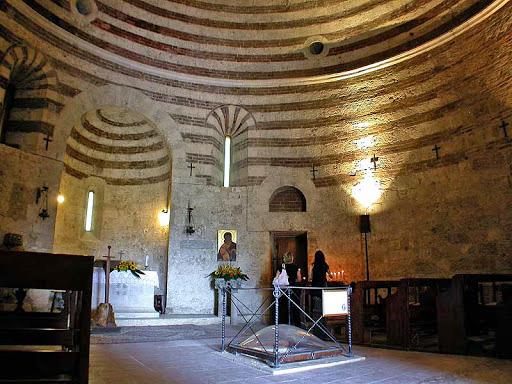 Toscana Montesiepi la espada en la roca.