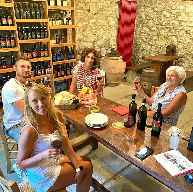 degustacion de vinos, agriturismo Il Pezzatino.
