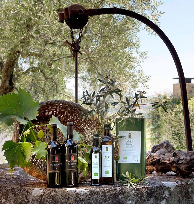 vino y aceite extra virgen de oliva producidos por Poggio Piglia, Toscana