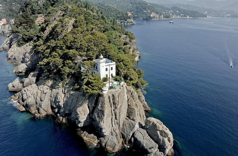 Turismo en Liguria. Faro di Portofino.