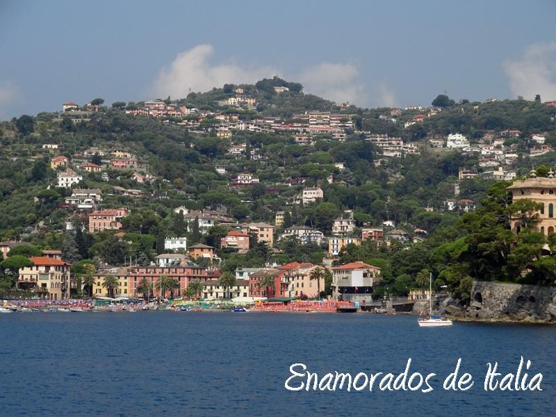 Turismo en Liguria. Rapallo. Playa de San Michele.
